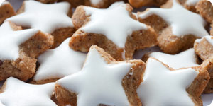 Star shaped cookies with frosting