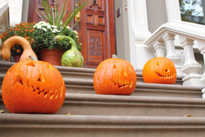 Jack o' Lanterns on the stairs