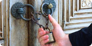 Key locks for gates
