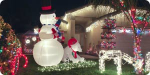 Lively outdoor Christmas decorations
