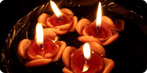 Image of rose shaped candles