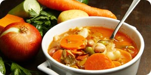 Minestrone soup with carrots and onions